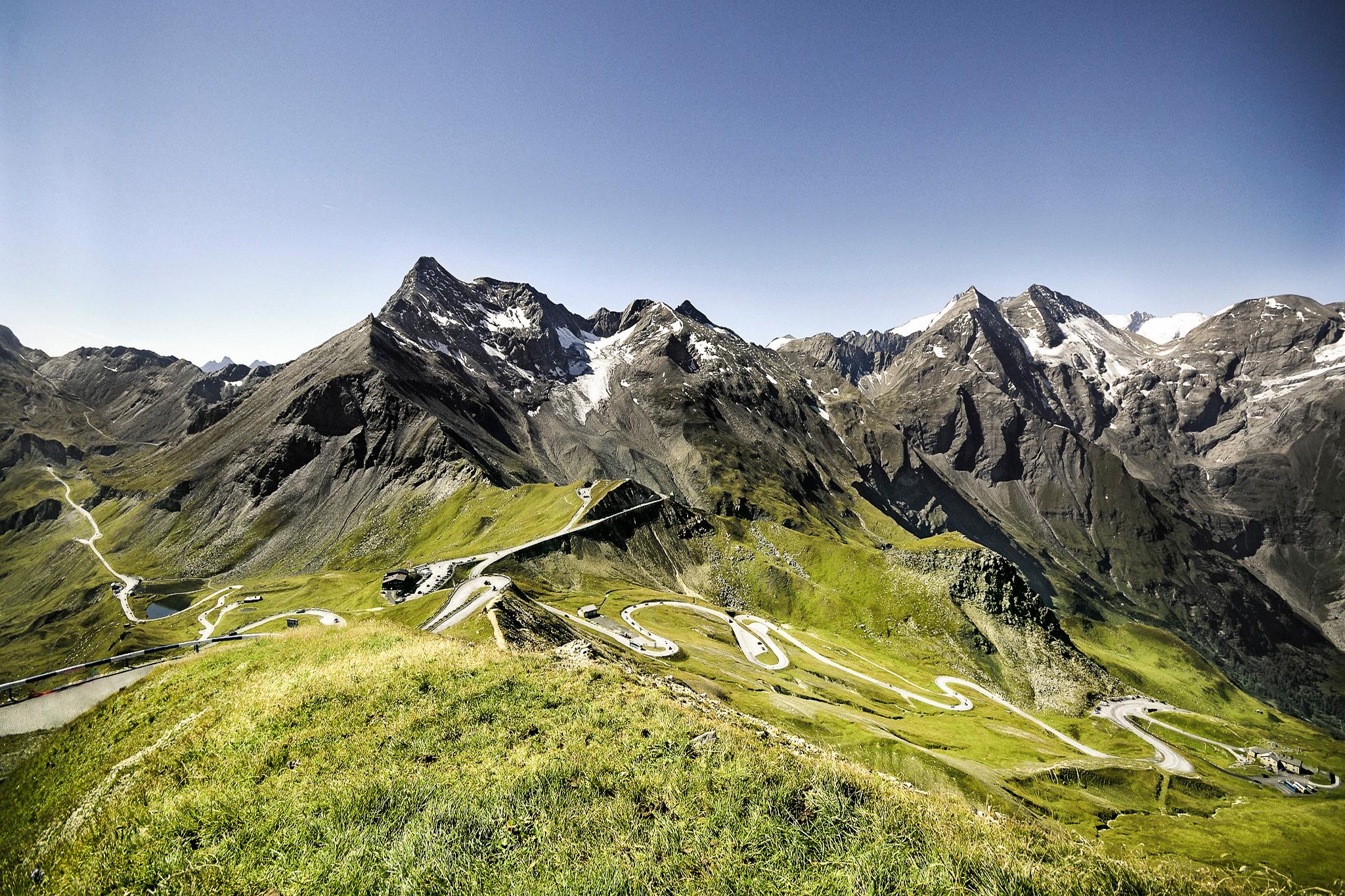 Grossglockner-Hochalpenstrasse-5-Blick-von-der-Edelweiss-spitze